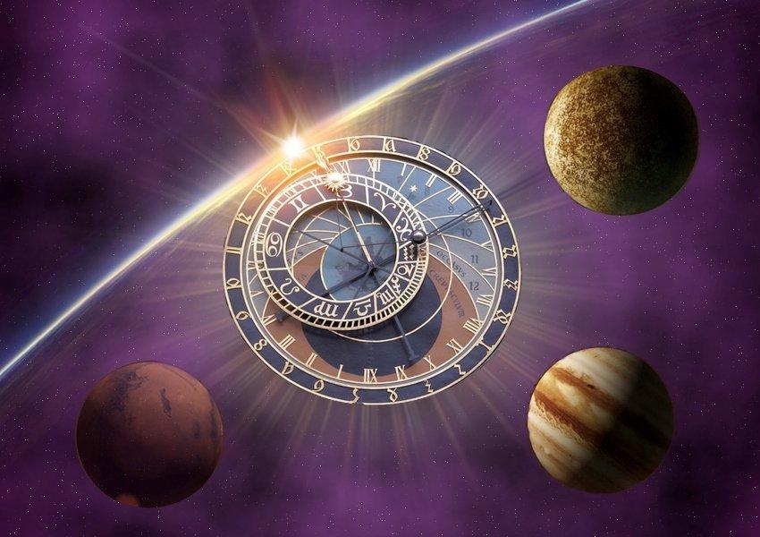 Планетарные часы